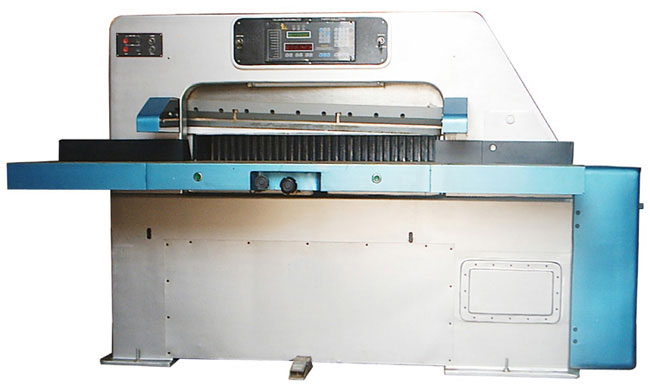 Programmable Paper Cutting Machines